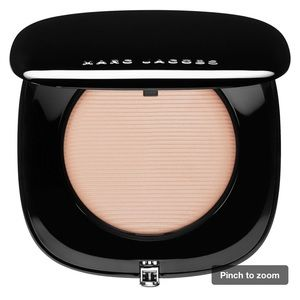 Marc Jacobs perfection powder foundation